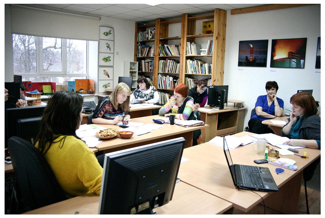 2013-12-27-Šo-varētu-dēvēt-par-starp-darba-dienu--kas-Gulbenes-Mākslas-skolā-tiek-veltīta-mācību-priekšmetu-programmām