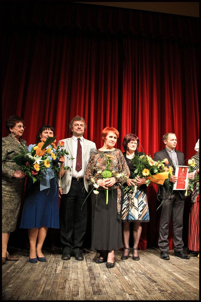 2014-02-21-Gada-balva-kultūrā-2013-balvu-nominācijā-Gada-mākslas-pedagogs-mākslinieks-ieguva-mūsu-Līga-Saveļjeva