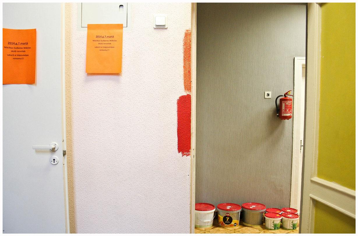 2014-03-08-Nav-nepieciešams-pārvērtību-šovs---ir-nepieciešama-šīs-nedēļas-nogale-lai-jau-11-gadus-kalpojušie-Gulbenes-Mākslas-skolas-koridori-taptu-skaisti